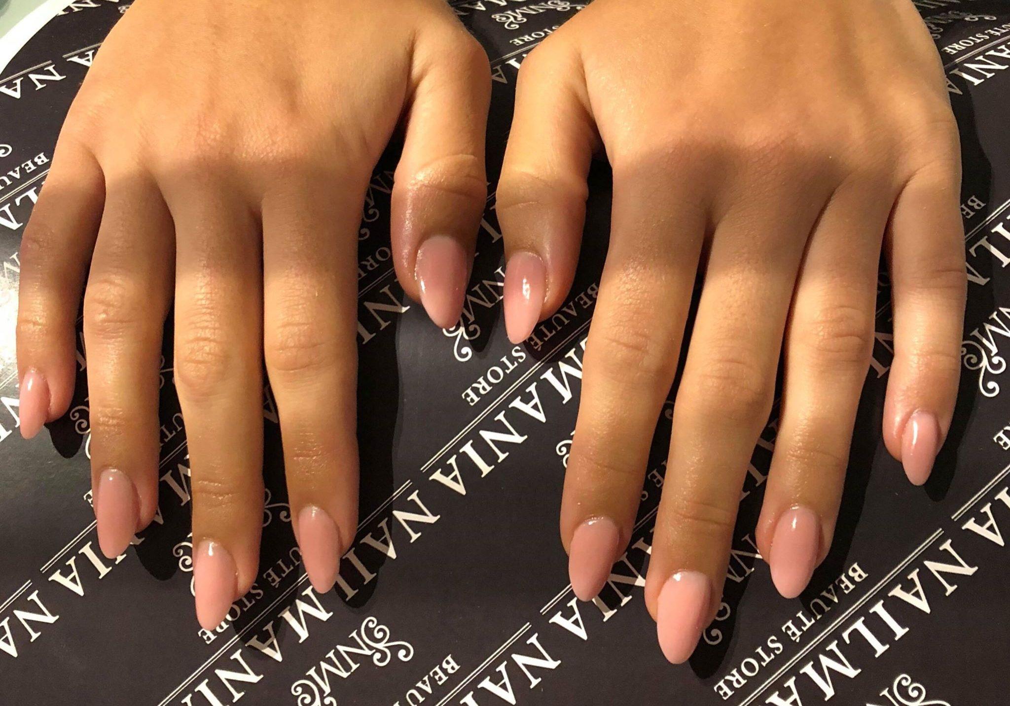 forlængelser - nude nails.